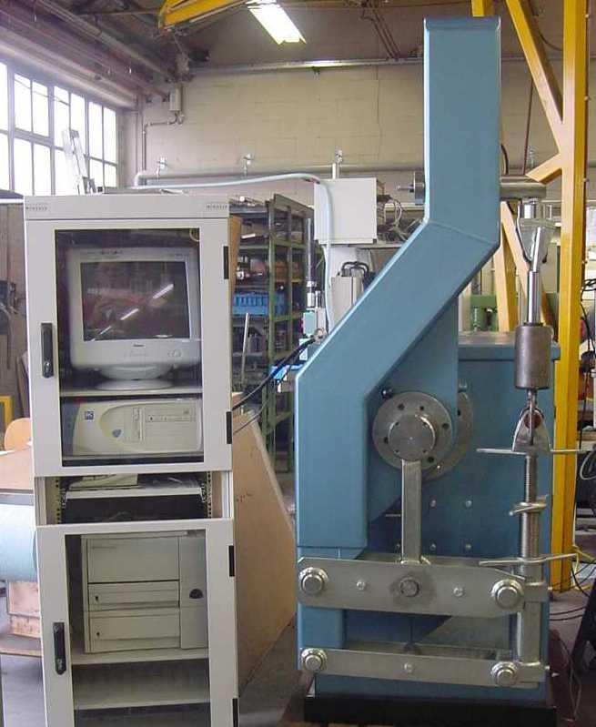 Máquina de Ensayo 4415-21-10-00